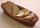 Certain(e)s le gardent pour le dessert, le pain maison